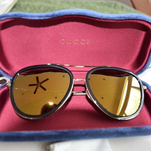 53e8b147d16c NWT GUCCI Gold Bee Accents  455 Bergdorf Goodman